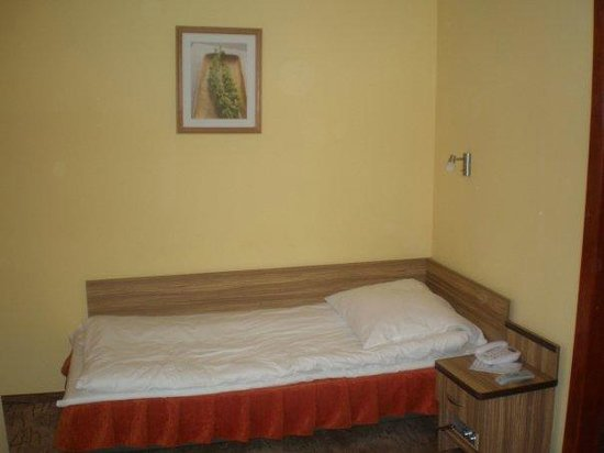 Hotel Katowice - letto camera singola