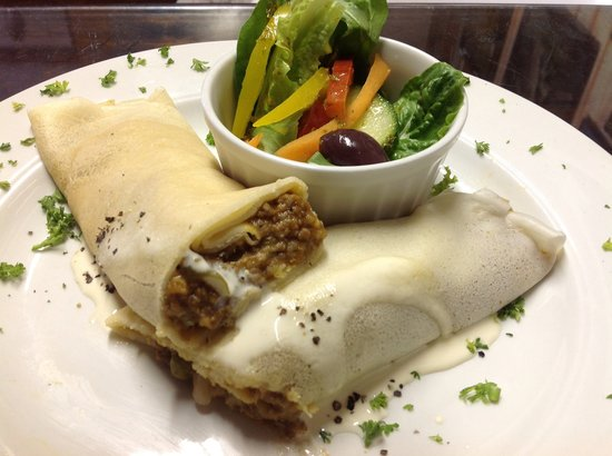 Kitsch Cafe: Savory pancakes delicious