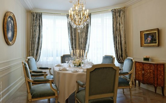 Le Bristol Paris : The Royal Suite 533 535
