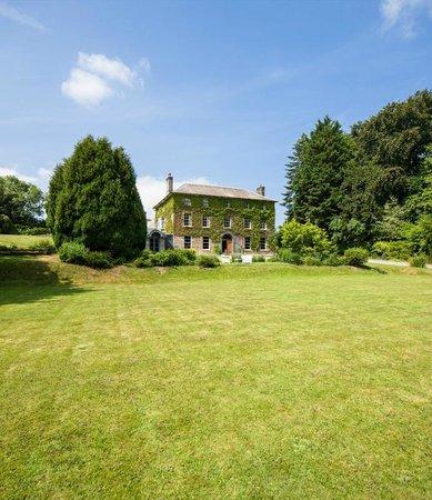 Hammet House : Croquet lawn
