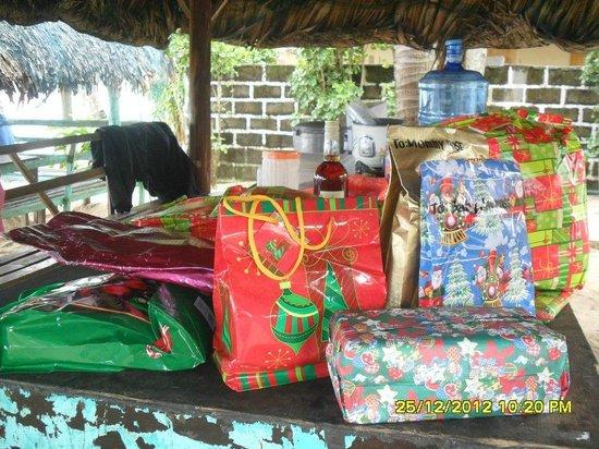 Villa Del Mar Ivory Beach Resort: Christmas Gifts