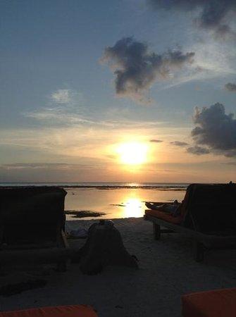 Aston Sunset Beach Resort : Add a caption