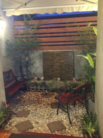 Focal Local Bed and Breakfast: Chillout Balcony area