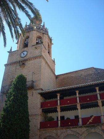 La Ciudad: Iglesia Santa María de la Encarnación la Mayor