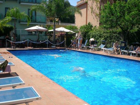 Hotel Central: piscina