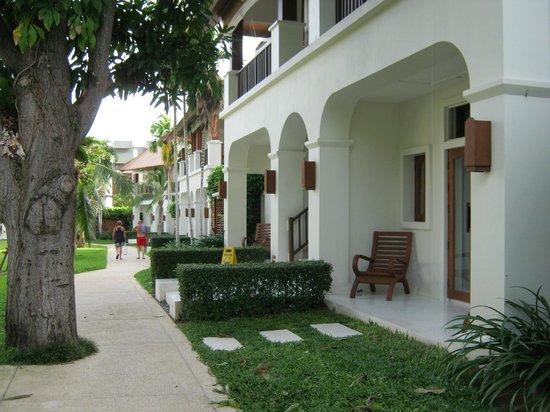 SALA Samui Choengmon Beach Resort: The front of our villa