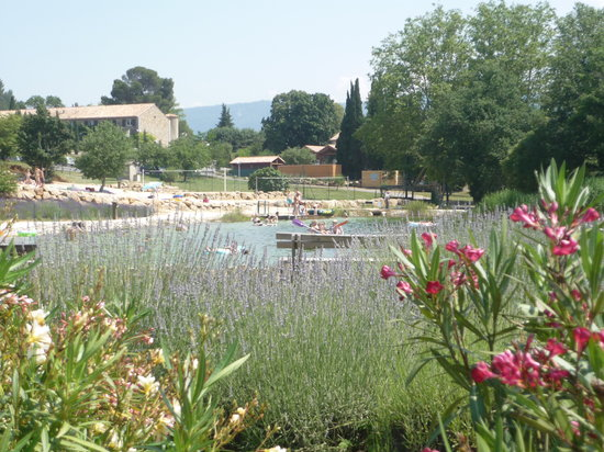 Vayamundo L'Espinet: Plaisir sur et autour du lac
