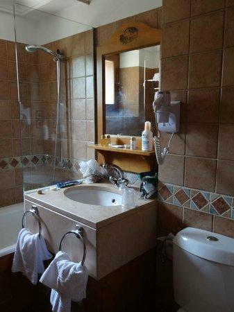 Au Vieux Moulin: déco ancienne, produits bain basse qualité