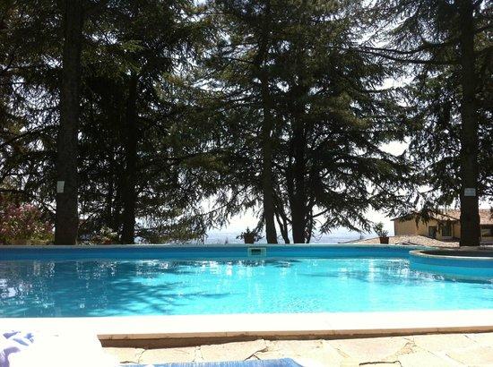 Hotel Colle della Trinita - BlueBay Perugia: piscina