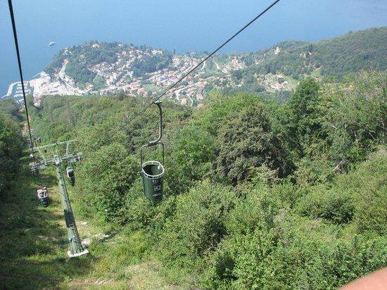 Hotel Capolago: On the 'Funivie del Lago Maggiore' (cable car to the top of 'Sasso del Ferro')