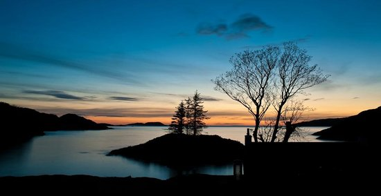 Lochinver Holiday Lodges: Sunset over Strathan Bay Island
