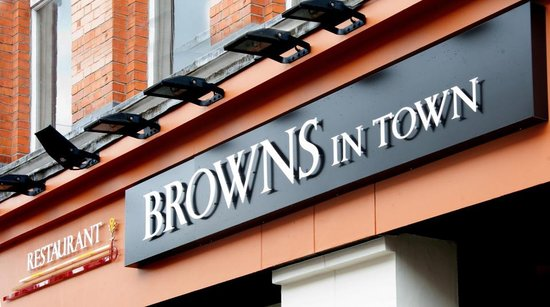 Browns in Town: Front of the restaurant