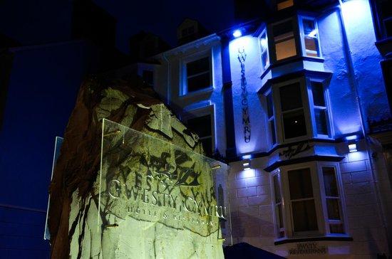 Gwesty Cymru: Night