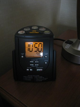 Hilton Garden Inn San Francisco Airport / Burlingame: Alarm clock