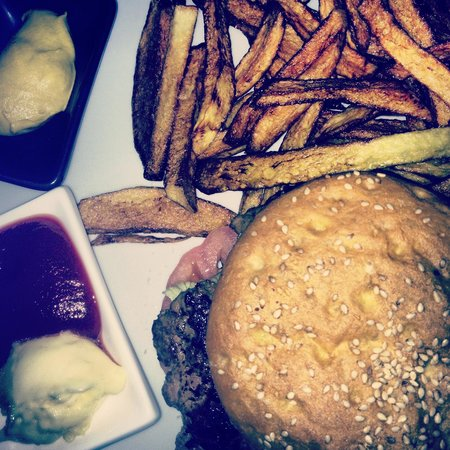 Ristorante Largo Galeffi 1: Gli ottimi hamburger