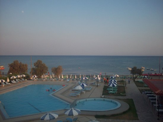 Astir Beach Hotel: View from stairs to room