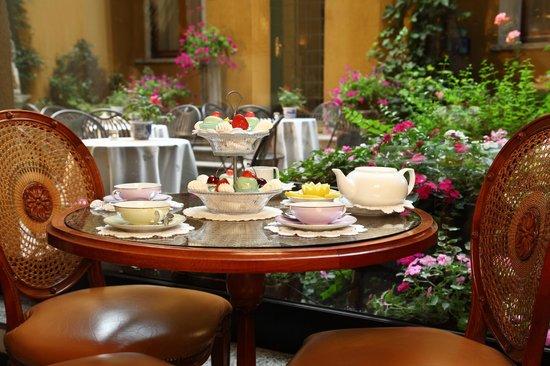 Hotel Sanpi Milano: Bar
