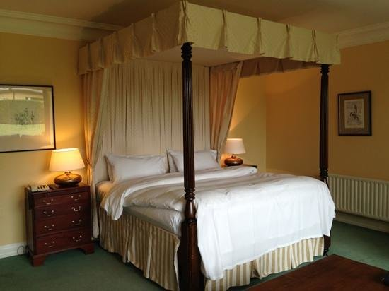 Dunraven Arms Hotel: Junior Suite at Dunraven Arms