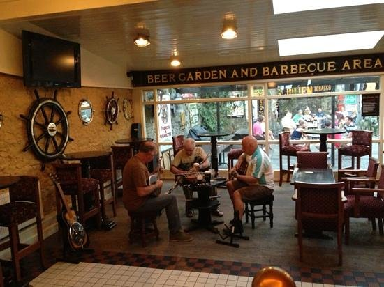 Bill Chawke's Bar: Traditional Irish Music at Bill Chawke's