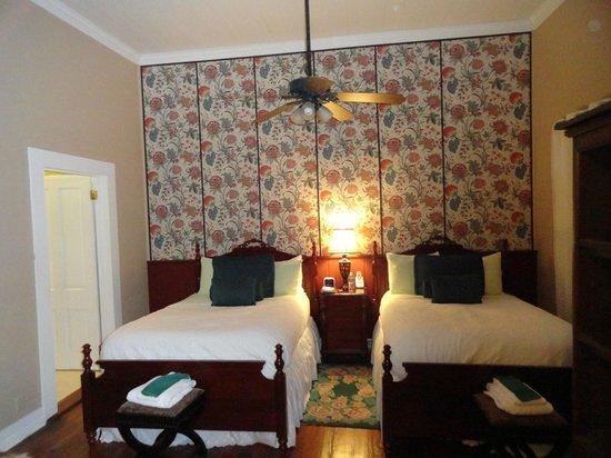Coombs House Inn: Bedroom