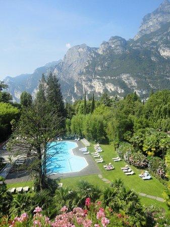 Du Lac et Du Parc Grand Resort: Relaxing pool