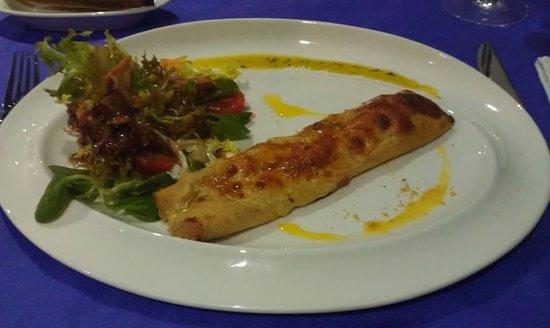 6'9 Restaurant : Canelon de pollo