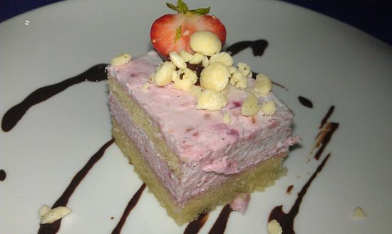 6'9 Restaurant : helado de frambuesa y chocolate blanco