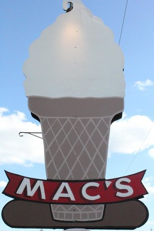 ‪Macs Dairy Bar & Mini Golf‬
