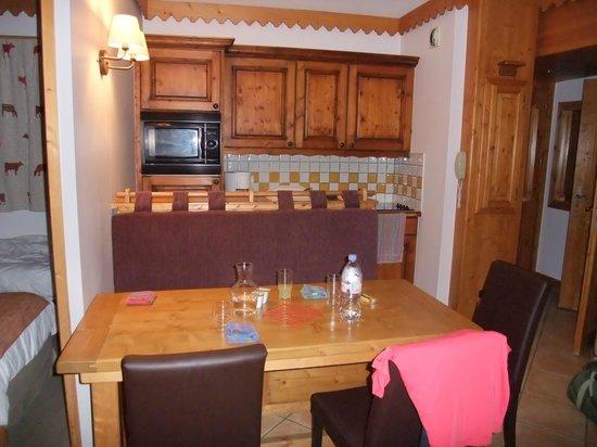 Pierre & Vacances Premium Residence Les Hauts Bois: Espace cuisine