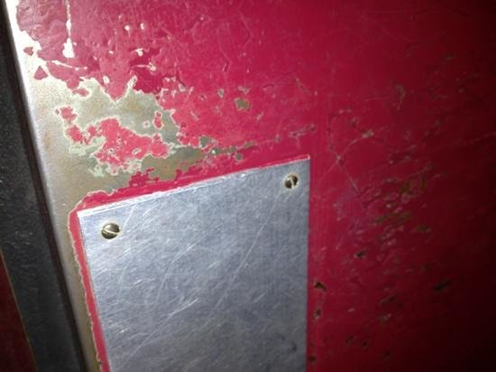 Le Grand Bec: peinture ascenseur