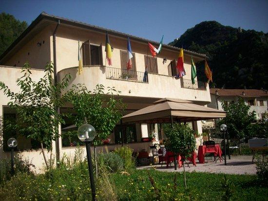 Hotel Umbria Valnerina: Vista hotel