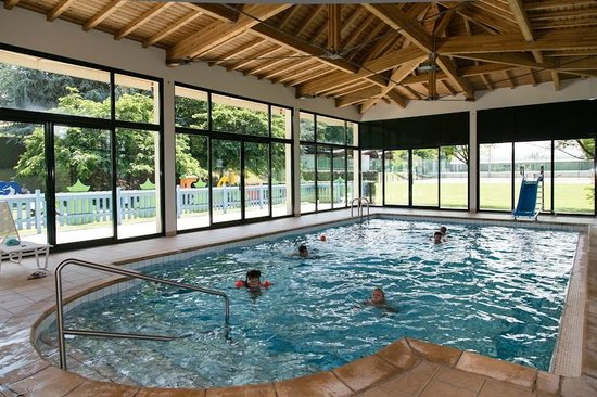 La piscine du kid 39 s resort club enfants picture of for Piscine d evian
