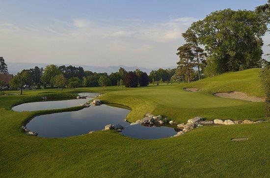 Hotel Ermitage - Evian Resort: Evian Resort Golf Club | Parcours de Majeur entièrement rénové