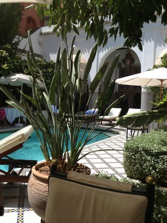 Dar Donab Le Restaurant: Dining by the pool
