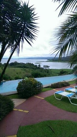La Mansion Inn Arenal Hotel: view from small pool.