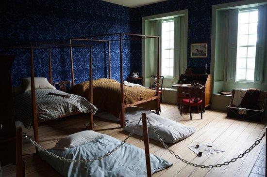 Schuyler Mansion childrens' bedroom
