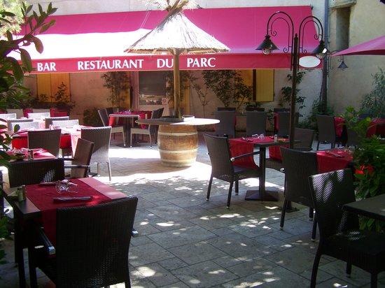 Restaurant Le Parc : terrasse ombragée