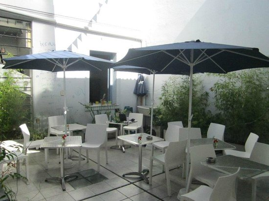 El Sol Hostel Recoleta: The terrace in the afternoon