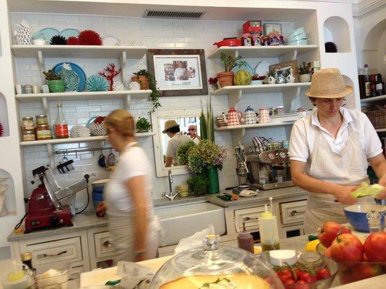 Casa e Bottega: La cucina nel negozio