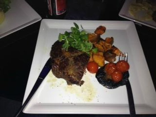 Browns at The Quay: Tasty Succulent Ribeye  Steak