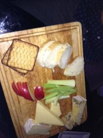 Browns at The Quay: Fantastic cheese board (half eaten)