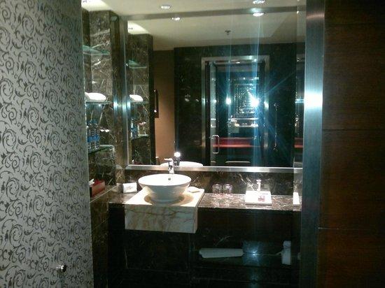 Sheraton Shunde Hotel: bathroom detail