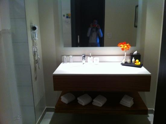 Park Inn by Radisson San Jose: bagno