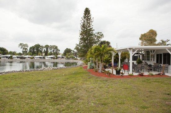 Lake San Marino RV Resort: Resort Grounds