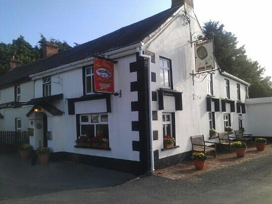 McAlpin's Suir Inn: Suir Inn Cheekpoint