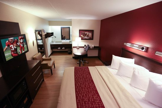 Red Roof Plus Chicago Willowbrook Il Motel Reviews