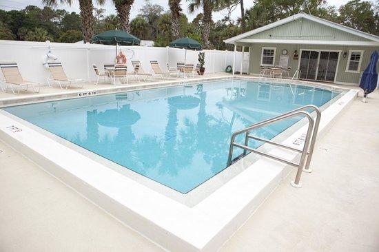 Naples RV Resort: Heated Pool