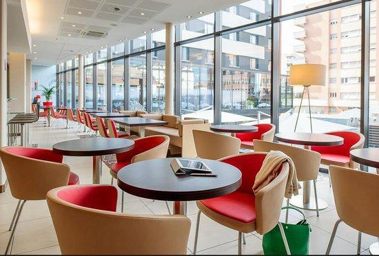 Ibis Lugano Paradiso: Salle du petit déjeuner