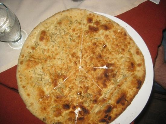 Le Bistrot Giardino Tropicale: focaccia with rosemary