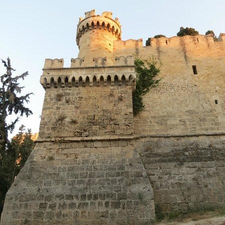 Manousos City Hotel: Старый город, Средневековая крепость, внутри - рынок